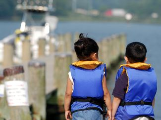 Helping Kids Become Safe Boaters