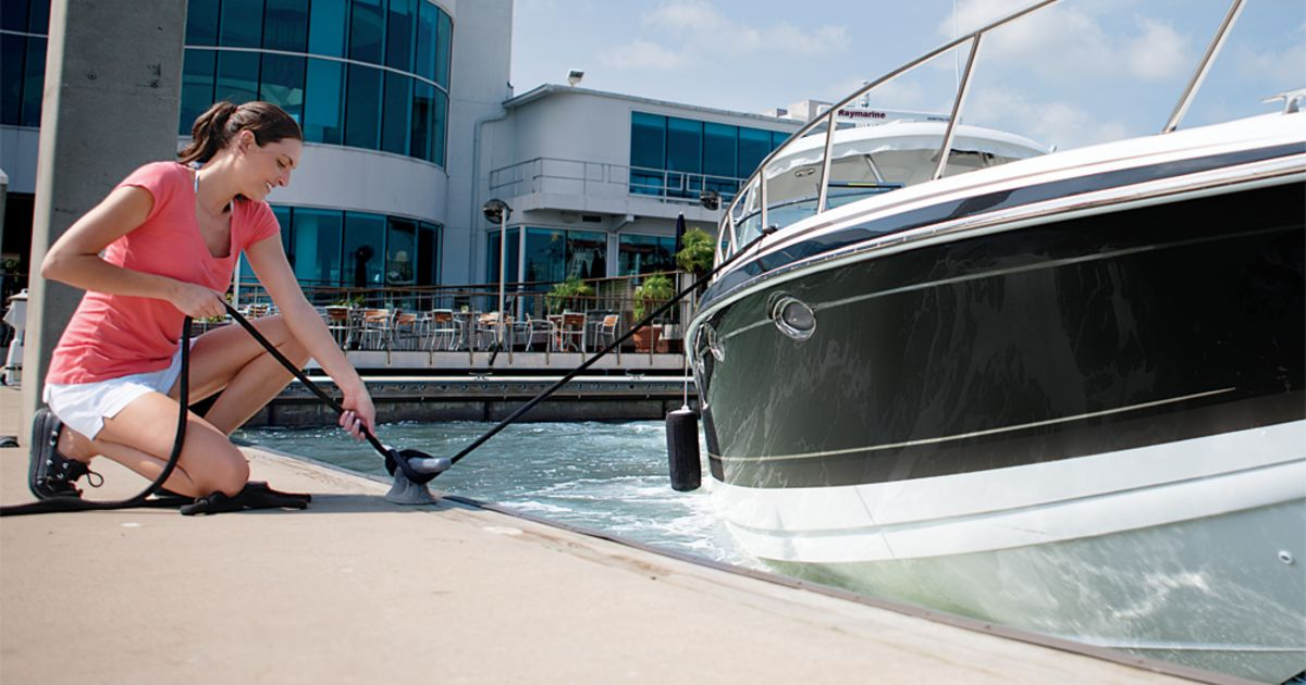 Ten Tips to Make Docking Easy and Safe | Boating Safety
