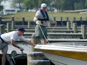 I Learned About Boating From This: Inadequate Dock Lines
