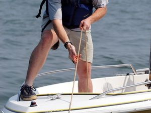 Rendering Aid: How to Safely Tow Other Boats